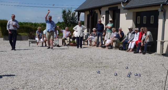 42 - playing Boules